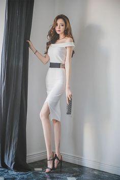 Korean Fashion Dress, Ulzzang Fashion, Asian Fashion, Girls Fashion Clothes, Fashion Dresses, Clothes For Women, Tight Dresses, Stylish Dresses, Pretty Dresses