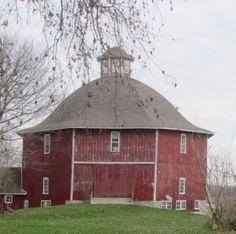 Secrest 1883 Octagonal Barn - West Liberty Iowa - Rustic Wedding Guide
