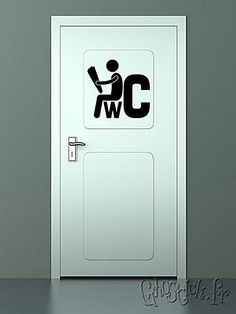 Sticker enseigne pour une porte de toilettes