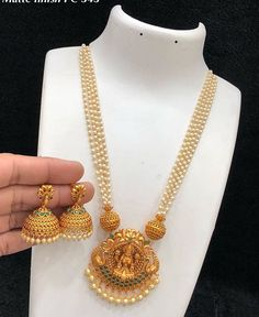 Jewelry OFF! Pearl Necklace Designs, Gold Earrings Designs, Gold Necklace, Gold Bangles Design, Gold Jewellery Design, Gold Temple Jewellery, Gold Jewelry, Antique Jewellery Designs, Indian Jewelry Sets