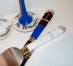 Cake Knife and Server Set - Set of 2 - Wedding Dress and Military, Marine, Navy, Air force, Coast Guard, Army Military Wedding Hand Painted.  (<<<<<PLEASE LET ME KNOW WHEN YOU NEED THESE BY>>>>>)  This is a cake knife and server set of 2 Military, Marine, Navy, Air force, Coast Guard, and of course the wedding dress. Please note that the cake knife and server will not have all the detail as the real dress and uniform. I can paint the names and the wedding date over the uniform and dress if…