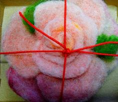 Rose, brooch or hair pin. Hand made felted. Perfect gift for valentines. Today ready to go. Gift Flowers, Ready To Go, Valentine Gifts, Hair Pins, Roses, Felt, Brooch, Pink, Handmade