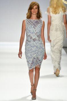 Tadashi Shoji Spring 2014 Ready-to-Wear Fashion Show - Julia Frauche