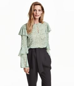 Blouse in crinkled chiffon. | H&M Pastels