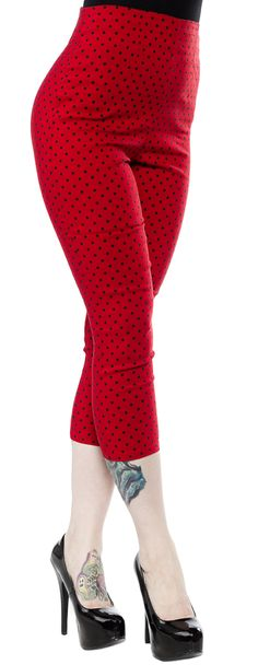 The Kay Capris from Hell Bunny will have you looking and styled like the 1950's. These pedal pushers feature all over contrasting polka dots, darts in the front to shape, and a semi-hidden back zipper. They have stitched seams that give them an extra fitted look to show off your curves and v-shaped accents on the back of the legs. 75% Rayon / 22% Nylon / 3% Elastane $38.00!!!