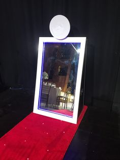 Perth's First Magical selfie mirror hire the Mirror Me Booth Perth. Vivid Media Photo Booths will Entertain guests at events at a competitive rate!