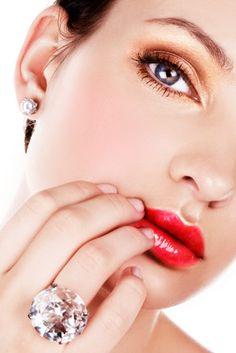 #Diamond Ring Breaks Record