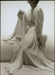 Madame Gres by George Hoyningen-Huene, 1936 Madame Gres, 1930s Fashion, Moda Fashion, Vintage Fashion, Men's Fashion, Dress Fashion, Elsa Schiaparelli, Vintage Dresses, Vintage Outfits
