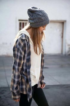 Grey beanie/ white top/ denim jeans/ flanno