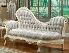 VICTORIAN CHAISE LOUNGE 654-A (Tight Seat)