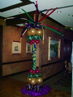 Mardi Gras Balloon column.  #balloon-column #balloon-decor