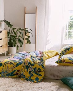 An easy way to add flowers to your space: the Elle Floral Scarf Duvet Cover, SKU #43263045. #UOHome