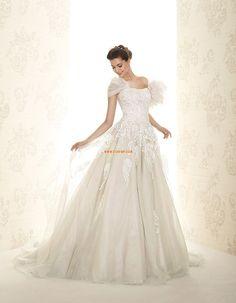 Templom Négyzet  Ujjatlan Menyasszonyi ruhák 2015