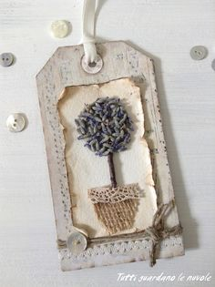Tutti guardano le nuvole: Botanical Tags with lavander