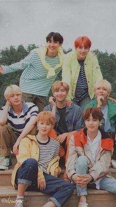 Find images and videos about kpop, bts and jungkook on We Heart It - the app to get lost in what you love. Bts Jimin, Bts Taehyung, Bts Bangtan Boy, Bts Lockscreen, Foto Bts, Bts Group Picture, Bts Group Photos, Namjoon, Rapmon