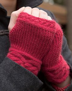 ~inspiration~ Garter Cable Wristlets - free pattern by Amy Loberg - A good gift for Christmas