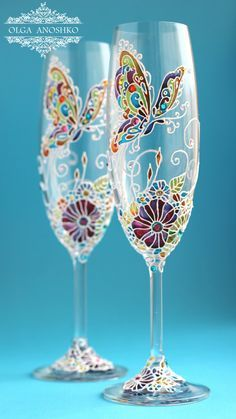 "Champagne glasses, Wedding glasses ""Flying Butterfly"". Wedding party. Glass painting"
