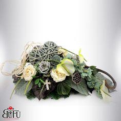 Funeral Flowers, Grapevine Wreath, Grape Vines, Flower Designs, Flower Arrangements, Diy And Crafts, Floral Wreath, Wreaths, Nails