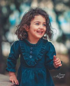 Jani shop ki safii wagera kr rha c mazk to ho ga subha us ko man kha c k 1 kilo metheeaii muka lo muj se k khlo g pir pass ho jao g warna fil wo ni mani to ab fil mazk to ho ga Girl Baby Pic, Cute Little Baby Girl, Beautiful Baby Girl, Beautiful Children, Cute Girls, World's Cutest Baby, Cute Baby Girl Wallpaper, Cute Babies Photography, Cute Baby Girl Pictures