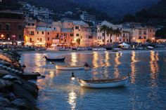 laigueglia, italy, best pizza i ever had World Cities, Countries Of The World, Places Around The World, Around The Worlds, Places To Travel, Places To Visit, Sestri Levante, Italy Landscape, Night Pictures