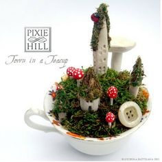 Tiny fairy garden in a teacup - artist Nichola Battilana of Pixie Hill Studio (link is to a different one she offers on Etsy) - #fairy #garden #teacup - tå√