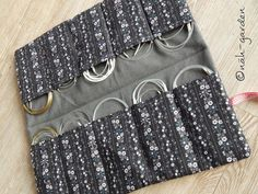 Knitting Patterns Bag Näh-garden: Circular Needle Utensilo with sewing instructions Bag Sewing Pattern, Bag Patterns To Sew, Sewing Patterns Free, Knitting Patterns, Crochet Patterns, Diy Knitting Needle Case, Diy Knitting Needles, Hand Knitting, Vintage Knitting