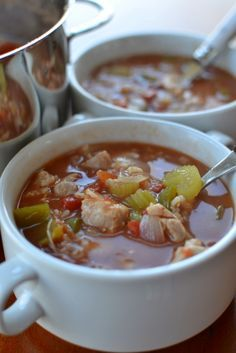 cajun cooking ThisEasy Chicken Gumbo Soup combine chicken thighs, onions, celery, green peppers, tomatoes and rice in a spicy savory chicken broth. Chicken Gumbo Recipe Easy, Chicken Gumbo Soup, Cajun Recipes, Soup Recipes, Cooking Recipes, Stuffed Pepper Soup, Stuffed Peppers, Seafood Gumbo, Cajun Cooking