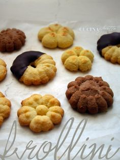 Frollini realizzati con lo sparabiscotti - PANE VINO & ZUCCHERO Biscotti Biscuits, Italian Cookies, Scones, Pane Vino, Macarons, Sweet Recipes, Waffles, Buffet, Sweet Tooth