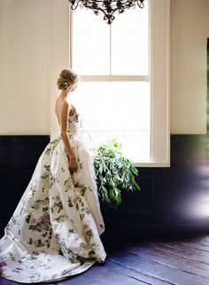 floral wedding dress and gowns / http://www.deerpearlflowers.com/floral-wedding-dresses/