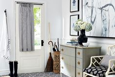 High/low: Chic cottage entryway | styleathome.com