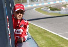 Felipe Massa, da Ferrari, nos boxes de Jerez (Divulgação)