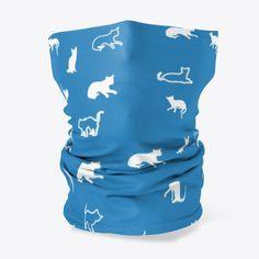 Haldtuch Muster für Katzenbesitzer und Katzenliebhaber mit kleinen Kätzchen. Über so ein Geschenk freut sich jeder Katzenfreund. King Clothes, King Outfit, Silhouettes, Cats And Kittens, Cute Cats, Bags, Products, Decor, Gifts For Cats