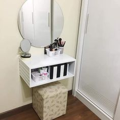 Teen Room Decor, Diy Room Decor, Bedroom Decor, Small Room Bedroom, Closet Bedroom, Recycled Furniture, Home Decor Furniture, Wall Dressing Table, Desks For Small Spaces
