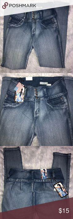 Butt lifting Diamante jeans - Size 15 Butt lifting Diamante jeans - Size 15. When I heard about Butt Lifting jeans I just had to try them. They did make my butt look nice, however they were a little higher waisted and the legs were a skinnier fit than I like. *Runs a little small* Unworn, just tried on. Diamante Jeans Skinny