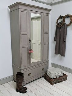 Distressed Edwardian Mirror Door Wardrobe