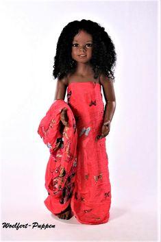 Smiling Beautiful Debbie – DeeBeeGee's Virtual Black Doll Museum™ Doll Museum, Beautiful Black Babies, Pretty Dolls, Butterfly Print, Human Hair Wigs, Wig Hairstyles, Baby Dolls, Barbie, Celebrities