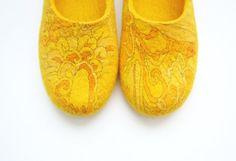 Zapatillas mujer de fieltro / casa de zapatos. Sol de verano