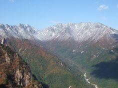 설악산 - 권금성에서 바라본 저항령계곡 (Mt. Seoraksan, Korea)