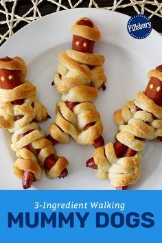 Take your mummy-dogs to the next level, with these full figured, fully delicious Halloween snacks. Just make sure you eat them before they walk off the plate! #HalloweenRecipe #HotDogs #DinnerIdea Halloween Snacks, Halloween Dinner, Halloween Inspo, Halloween 2020, Halloween Kids, Halloween Backen, Mummy Dogs, Hot Dog Recipes, Good Food