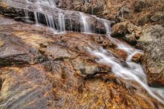 The Upper Creek Falls | Harper Creek and Wilson Creek | The boulder-strewn upper creek gorge | Pisgah National Forest | Great smoky mountains | North Carolina | Blue Ridge Parkway || #blueridgeparkway #BlueRidgeMountains #GreatSmokyMountains #geotread #NorthCarolina #ig_brilliant  #thesouthrenfront #TheAmericanCollective #icu_global  #igbest_shotz #ig_great_pics #ig_unitedstates #explore #TakeMeYonder exploring with @coriewebb #neverstopexploring #liveoutdoors #vzcogood #vscoaward…