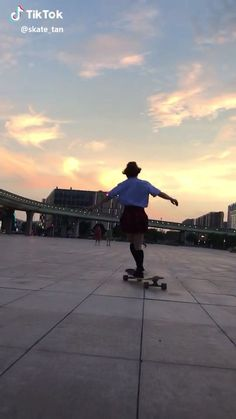 Longboard Dancing - Zoe adrielly skate dancing in São Paulo Longboards Zoe adrielly skate dancing in São Paulo Longbo - Film Aesthetic, Aesthetic Images, Aesthetic Videos, Aesthetic Girl, Longboard Cruiser, Pintail Longboard, Longboard Decks, Skateboard Videos, Skateboard Girl