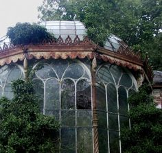 A greenhouse could be of pvc and plastic sheeting. This was a proper conservatory. I will never afford myself. Old Buildings, Abandoned Buildings, Abandoned Places, Houses Architecture, Green Architecture, Victorian Greenhouses, Abandoned Mansions, Conservatory, Old Houses