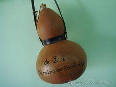 garrafa cantimplora antigua 2 l. agua o licor, del camino de santiago grabada a fuego, con su correa