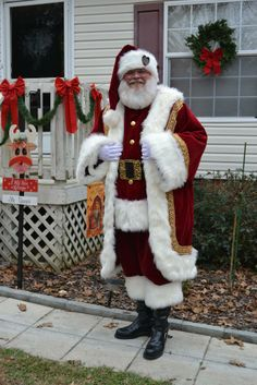 The Christmas Gift of Santa Claus Costume Guide Childrens Christmas, Father Christmas, Santa Christmas, Christmas Gifts, Christmas Images, Christmas Costumes, Santa Costumes, Elf Costume, Mrs Claus