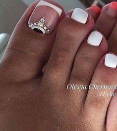 French Pedicure, Pedicure Designs, Pedicure Nail Art, Toe Nail Designs, Pedicure Ideas, Pretty Toe Nails, Cute Toe Nails, Fancy Nails, Trendy Nails