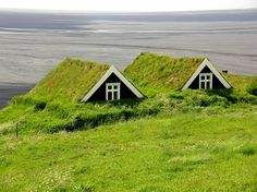 Irish Turf Houses- Could you imagine living in a house like this... It would be time to buy a goat...!!!