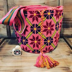 Stars are important elements for the Wayuu people, since they are #augury of rain. Rain makes cattle and plants grow, leading to food abundance  #ngo #❤️ #wayuu #style #ethicalfashion #indigenousrights #ootd #love #mochila #fblogger #fashion #fashionblogger  #칠라백 #와유백 #독특한 #排他的 #獨家 #퓨전 #融合 #聚變 #애정 #愛 #愛 #귀엽다 #可愛い #taiwan #china #wayuulovers #zürich