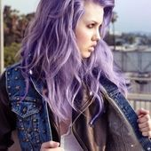 Lila Haare – Haare in Knallfarben sind in Purple Hair – Bright-colored hair is in wisps # Hair Color Balayage, Hair Highlights, Haircolor, Dying My Hair, Bright Hair Colors, Auburn Hair, Cool Hair Color, Skin Treatments, Purple Hair