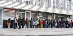 La OCDE sitúa a España al frente de la UE en la marcha de personas por la crisis / @elpais_economia | #nonosvamosnosechan