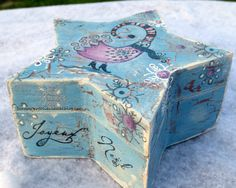 Les folies de Coco... Une boite de Noël décorée-A decorated wooden box - 'Christmas Chickens' KTZ104